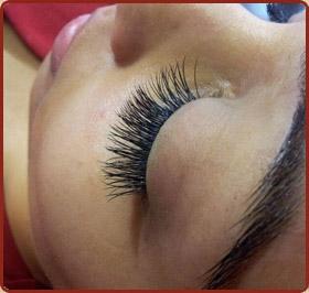omarosa-eyelash-extensions